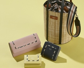 WOMENS BAG AND SMALL GOODS